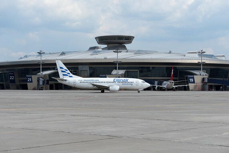 Boeing 737-382 (LY-LGC) Ellinair 0760_D702619