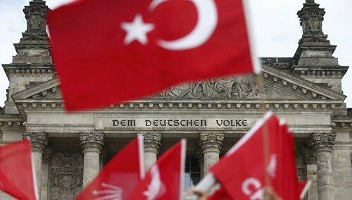 Турция отзывает посла из ФРГ после признания геноцида армян