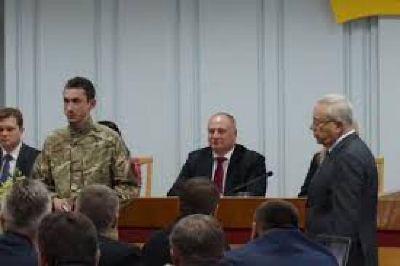 Начальник Генштаба Муженко просил найти спонсора, чтобы отбелить свое имя после Иловайска, - экс-спикер АТО Дмитрашкивский. ВИДЕО