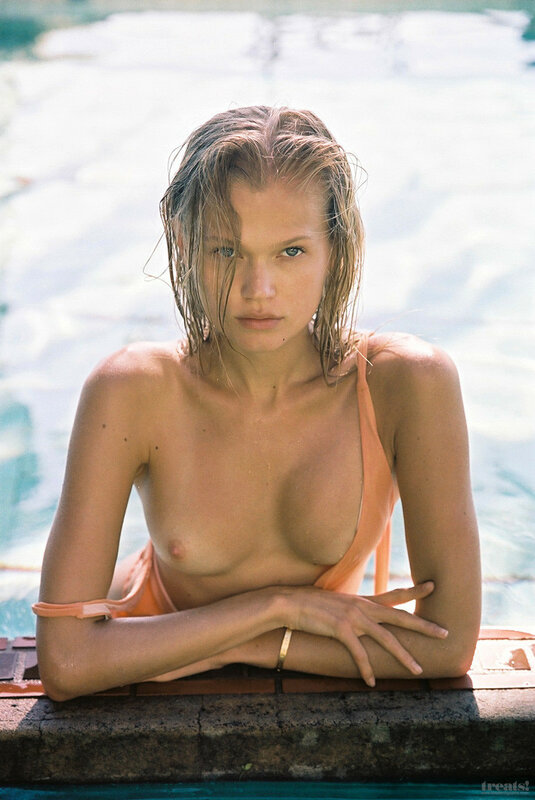 Vita Sidorkina by Cameron Hammond