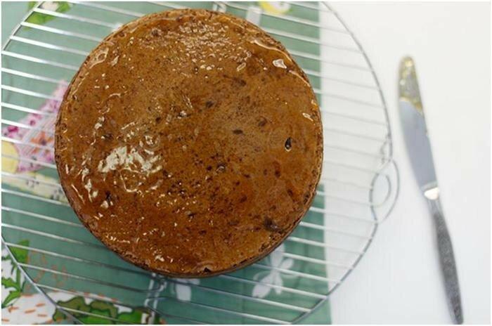 Шоколадный торт   шоколадный бисквит, шоколадно сливочный крем и апельсиновая пропитка