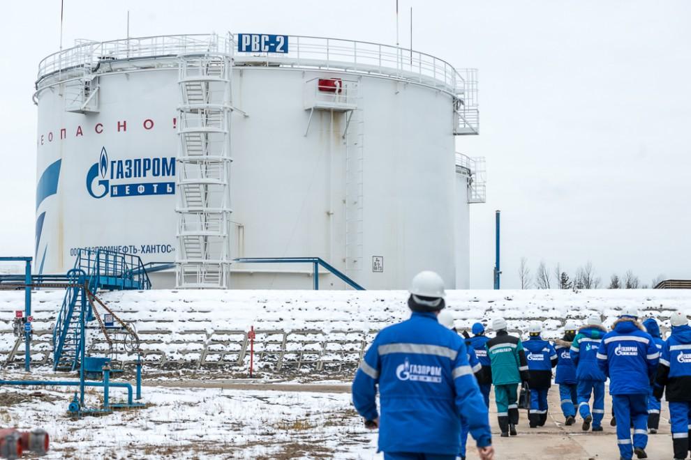 В непосредственной связке с добывающим комплексом работают установки подготовки нефти (УПН). Это бол
