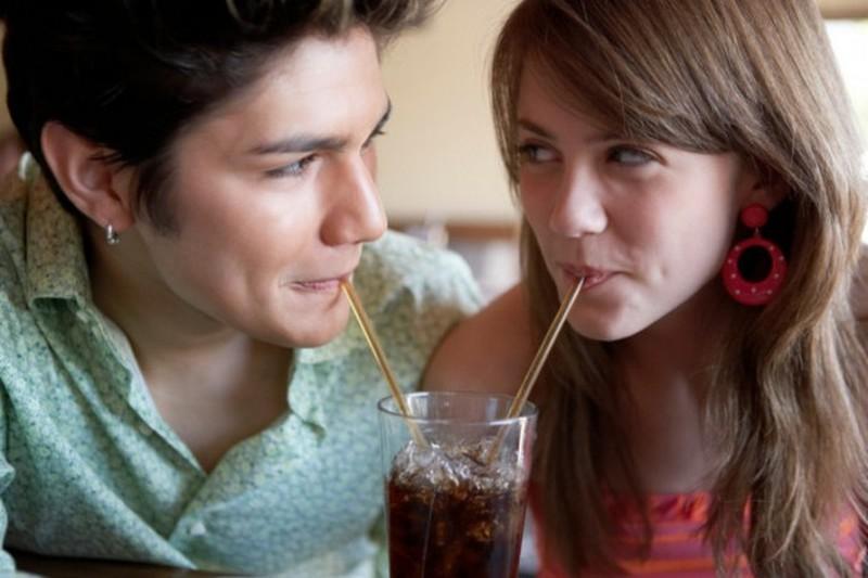 4. Использование соломок для питья Даже обычные соломки для питья опасны для экологии планеты. Ежедн