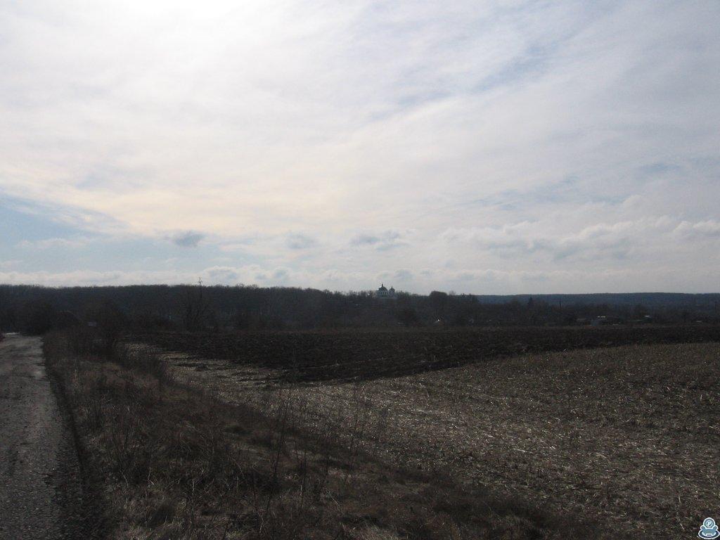 Вид на церковь и село
