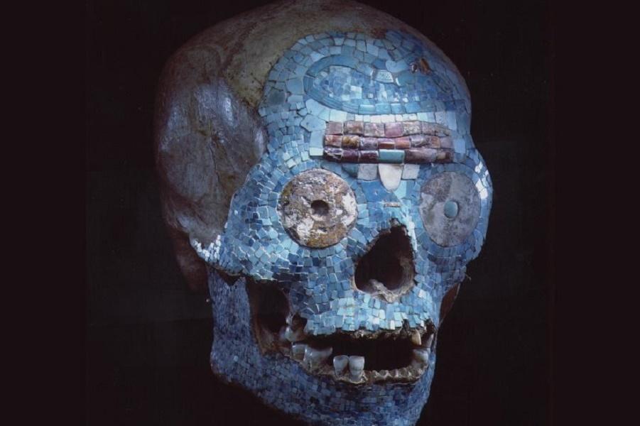ps_Mixteekse-schedel-met-mozaiek-Museum-Volkenkunde_1480418617.jpg.814x610_q85.jpg