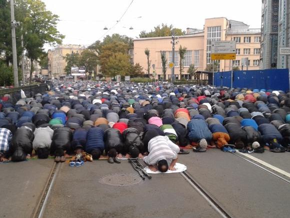ВСеверной столице прошел крестный ход— Санкт-Петербург