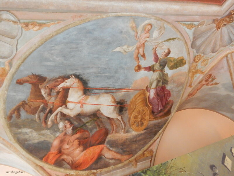 Богиня Победы, летящая на колеснице