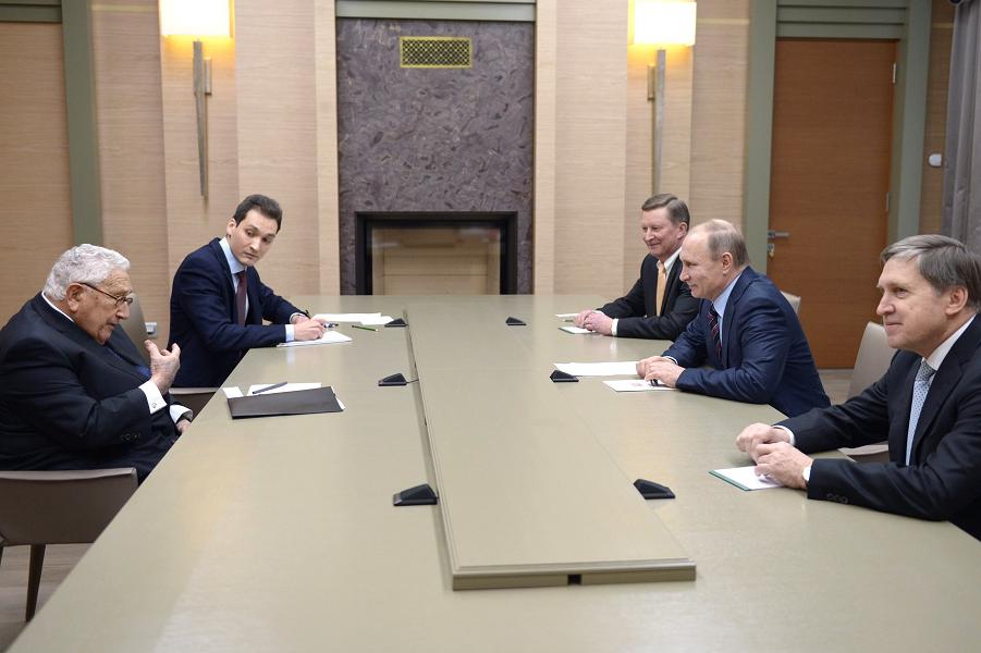 Встреча Путина с Киссинджером в Ново-Огарево 13.02. 2016.png