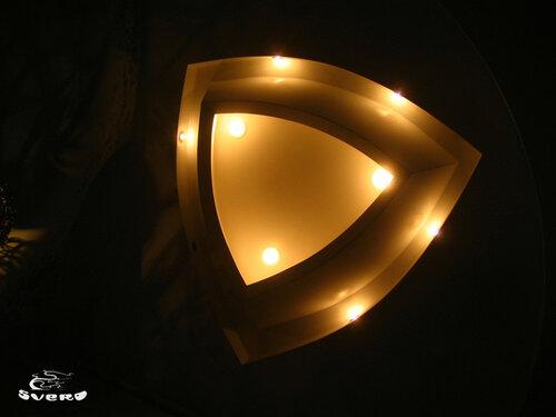 027. полочная инсталляция, светильник из гипсокартона