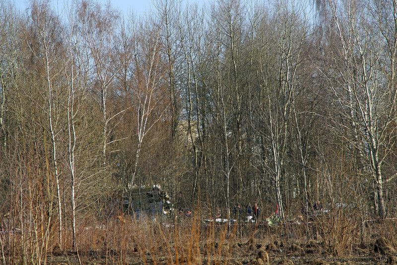 1280px-Tu-154-crash-in-smolensk-20100410-05.jpg