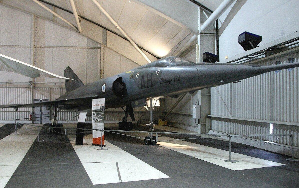 Музей авиации и космонавтики в Ле Бурже. Mirage IV A