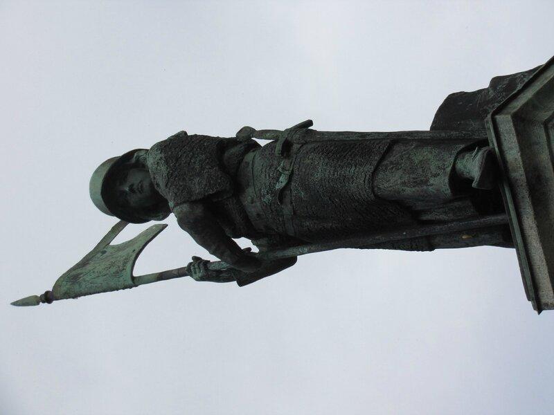 Цюрих. Статуи