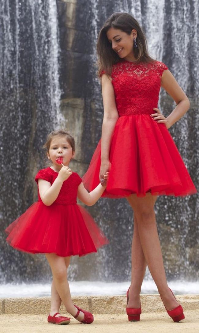 16 фотографий, на которых матери и дочери похожи как две капли воды