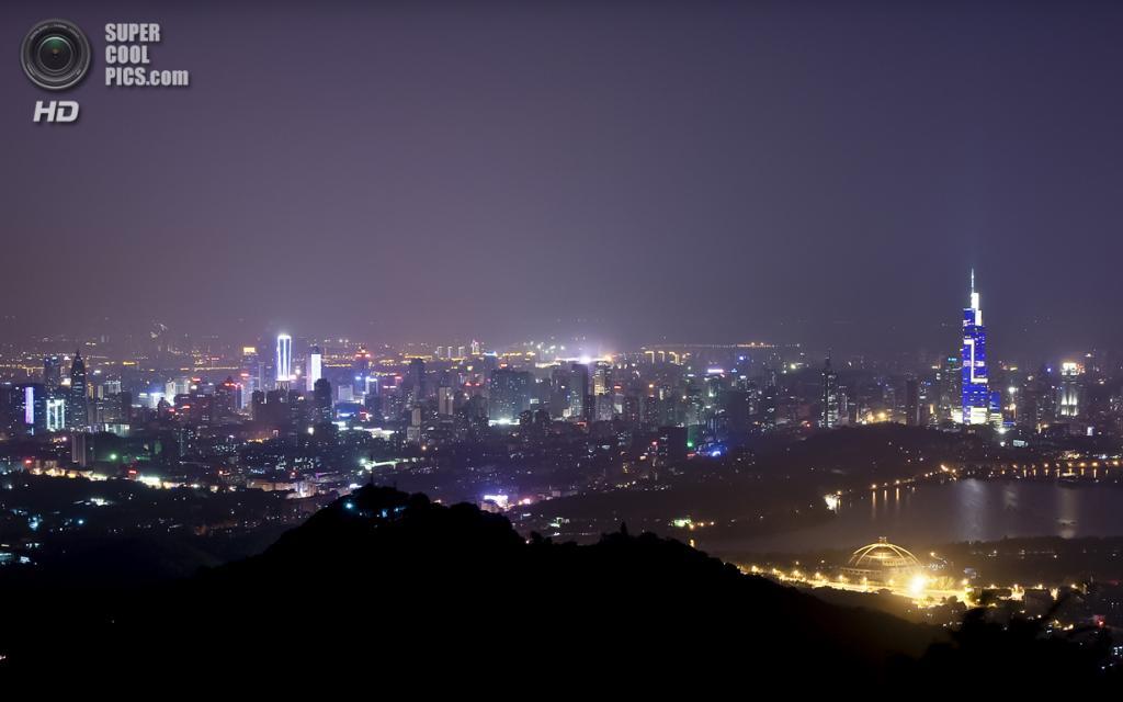 4. Башня «Цзыфэн», Нанкин. Высота: 450 м. Введение в эксплуатацию: 2010 год. (Sam Gao)