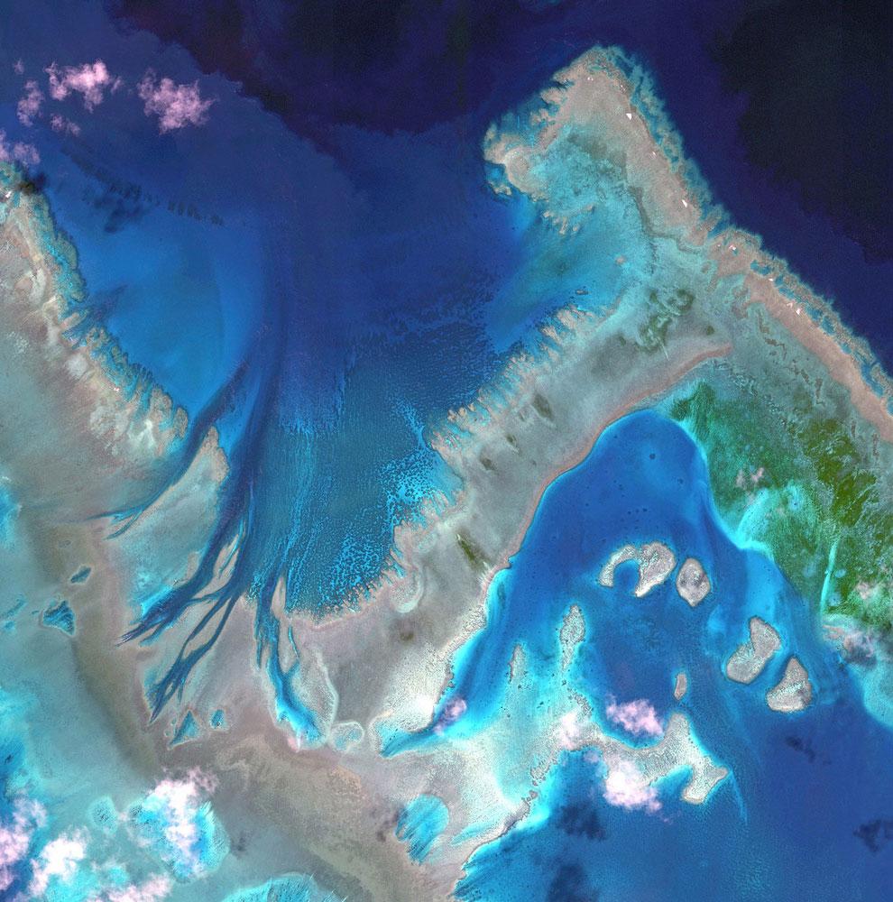 8. Остров Galesnjak в виде сердца в Хорватии, 16 февраля 2013. Также смотрите статью « Земля, у