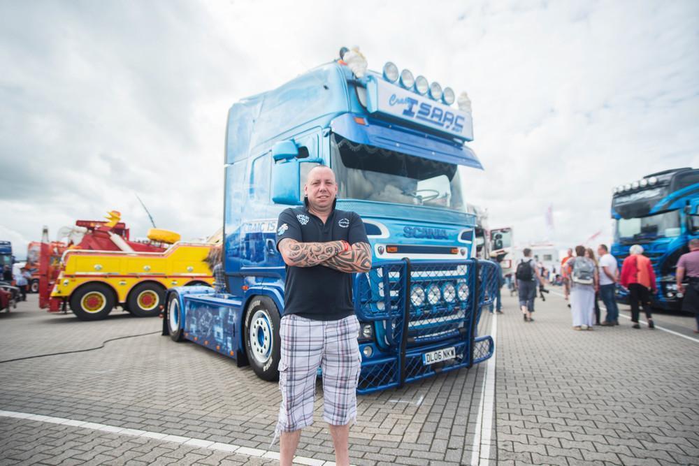 «Я выиграл 16 трофеев, но с другим грузовиком. Тот я продал недавно за 29 тысяч долларов. Это, вообщ