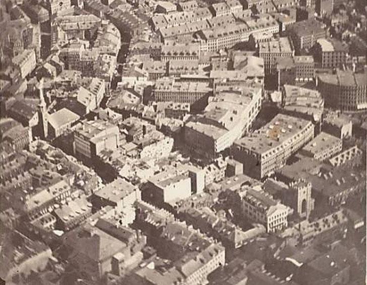 Бостон, 1860 год. Это самая старая из сохранившихся фотография, снятая с высоты птичьего полета. Ее