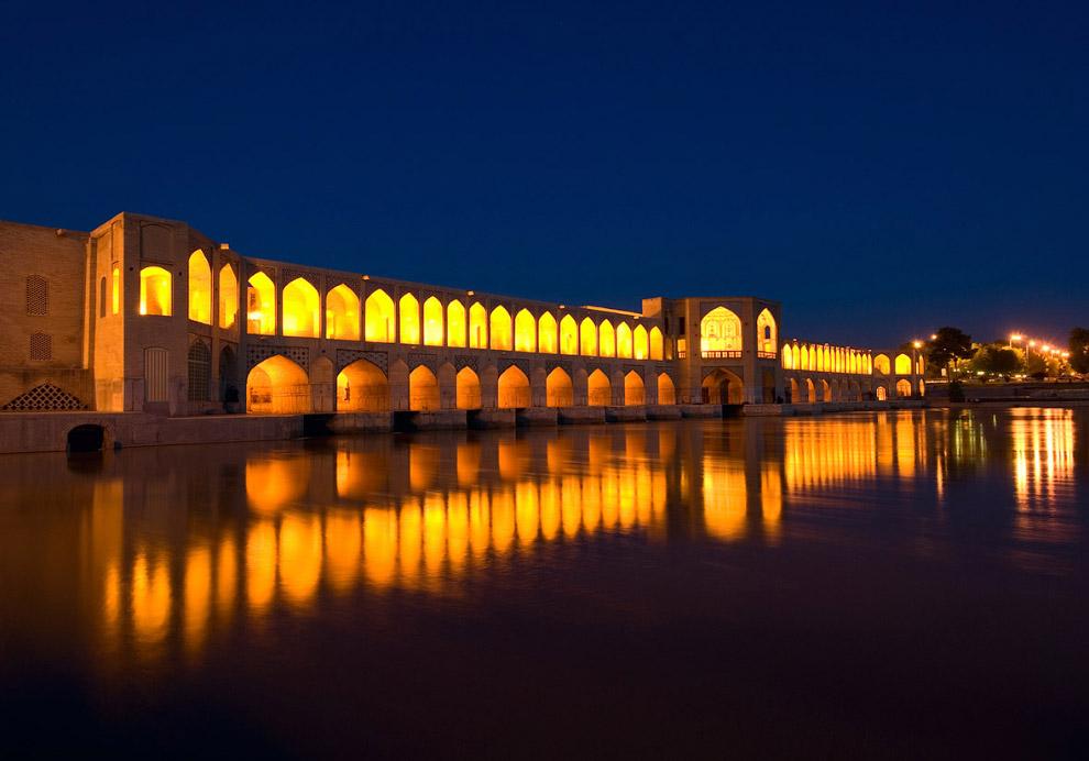 8. В 17-м веке в Исфахане было около 3 000 великолепных башен, построенных для домашних голубей