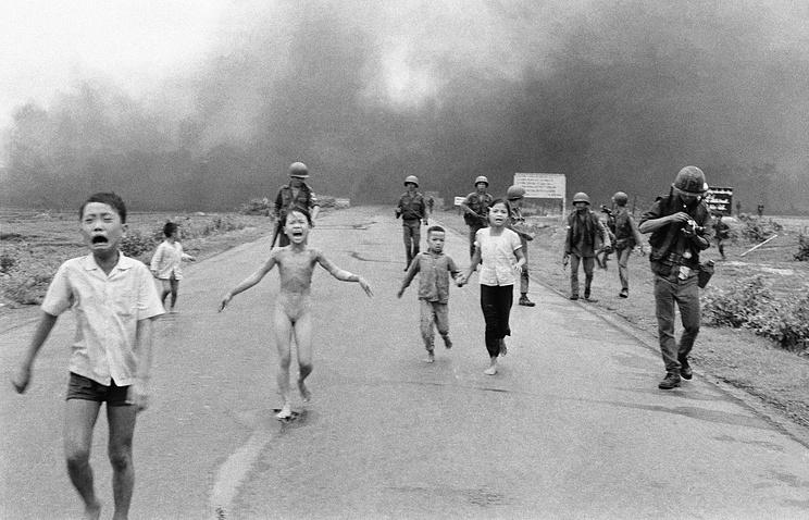 Социальная сеть Facebook восстановила известную фотокарточку Ника Уота «Напалм воВьетнаме»