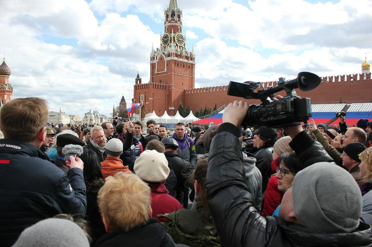 Прогулка оппозиции смогла беспрепятственно пройти на Красную площадь