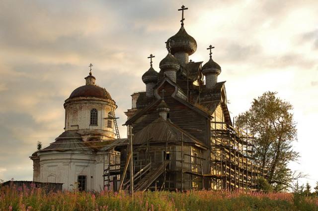 Богоявленская церковь построена в 1733 г. Фото 2005 г.