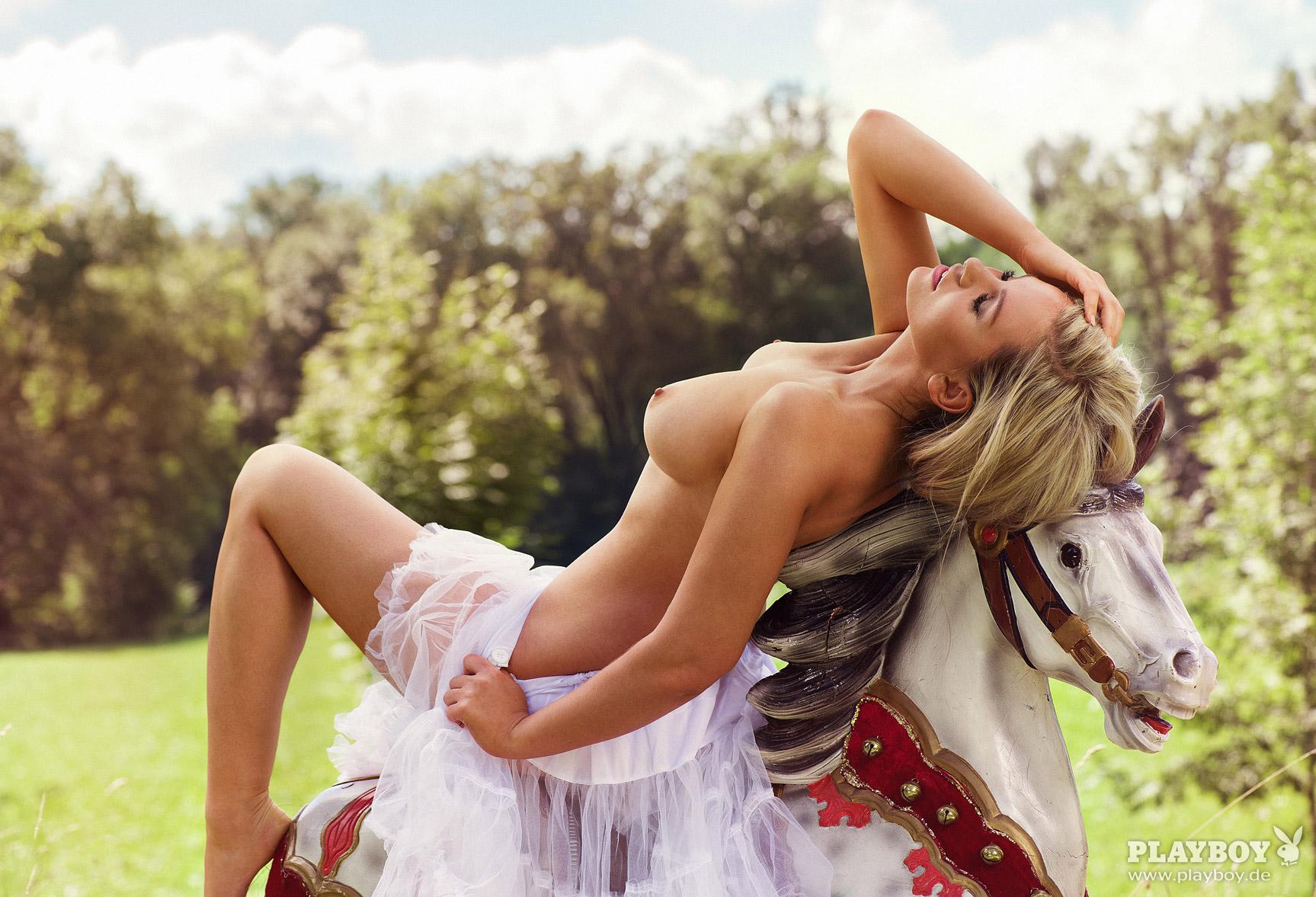 Девушка месяца Кати Керн / Kathie Kern - Playboy Germany october 2016 playmate