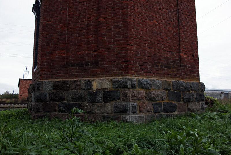 Основание водонапорной башни на станции Земцы