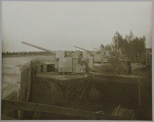 Батарея 305-мм орудий