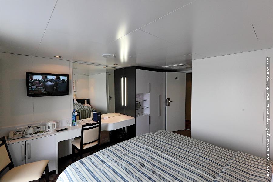 Двухместная каюта №305 на палубе «Нева» теплохода «Александр Грин». Категория каюты 1А
