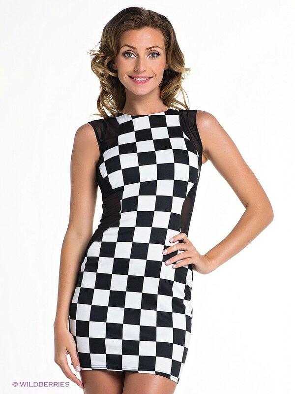 Короткое платье со вставкой  в чёрно-белую клетку