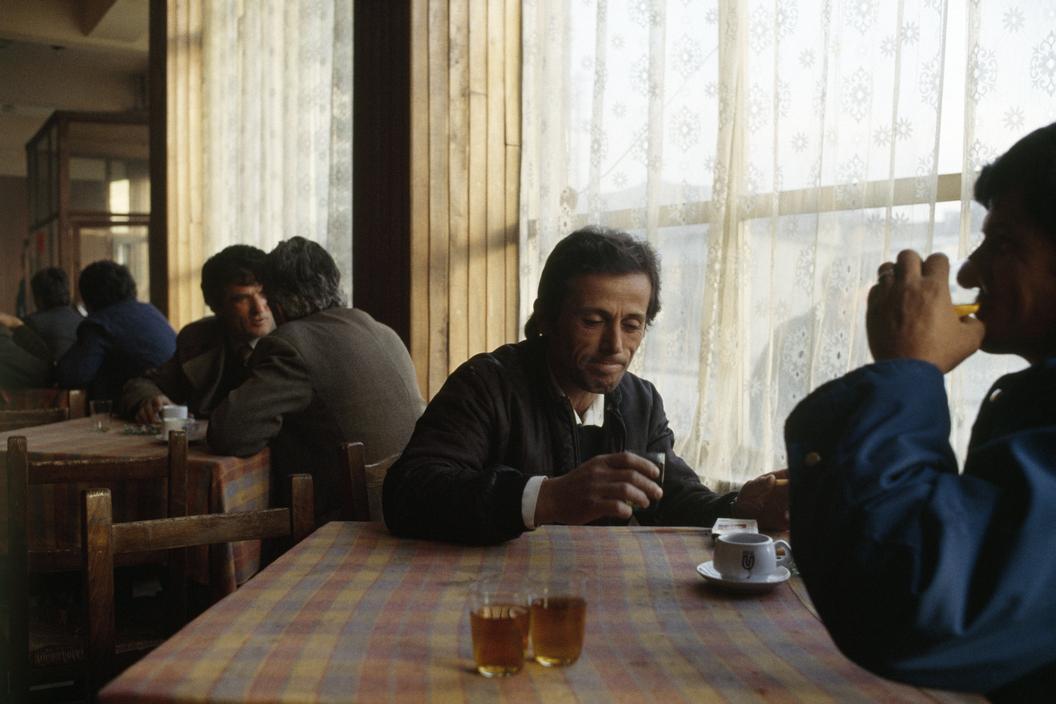 1990 Albania Shkoder. Cafe.jpg