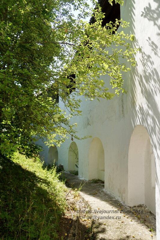 Монастырская стена, Свято-Пафнутиев Боровский монастырь