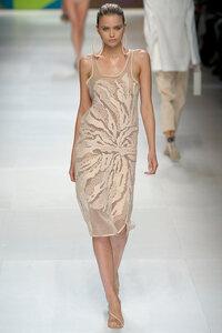 Астра от Stella McCartney - платье в филейной технике