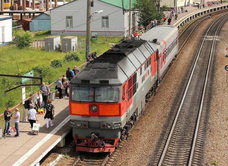 ТЭП70-0360 с пригородным Шаховская - Ржев на станции Шаховская, МСК ЖД