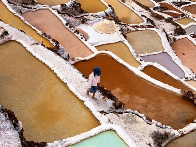 Salt-Collecting-Peru-660x495.jpg