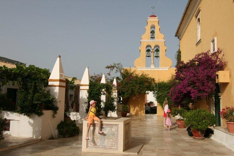 Корфу, Монастырь Палеокастрица