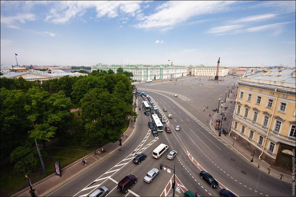 Фотоблоггер-руфер показал Санкт-Петербург с крыш домов.