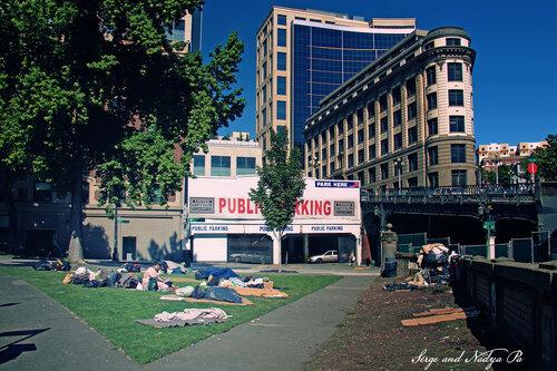 Улицы — местообитания бомжей в Сиэтле.