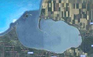 Ейская коса - остров в море у входа в залив