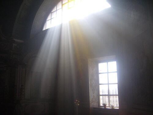 Свет во храме