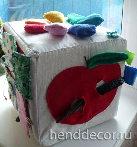 Мастер-класс: Развивающая игрушка – кубик для ребенка