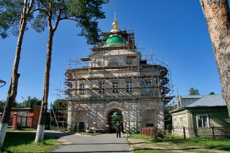 Покровский Хотьков монастырь. Надвратная церковь Рождества Иоанна Предтечи, 1791 г.