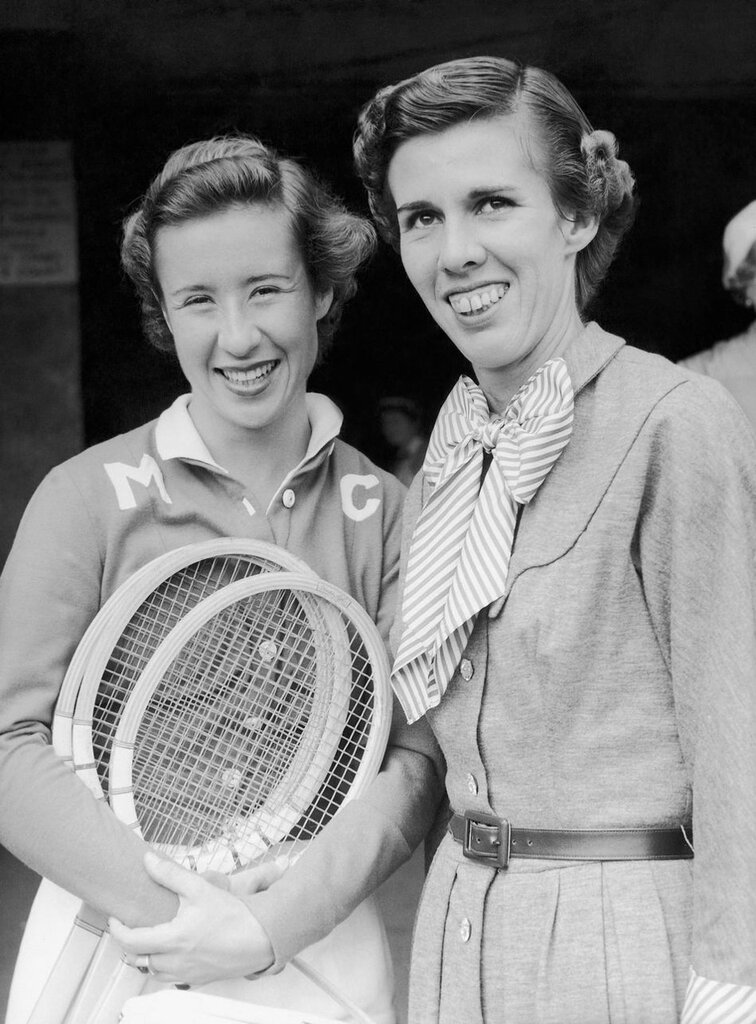 'Little Mo', Maureen Connolly of San Diego, California, left, and Miss Doris Hart of Coral Gables, Florida1953