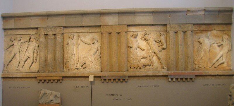 Метопы храма Е