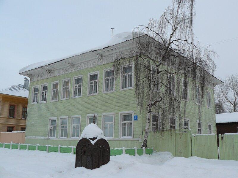 Кремлевская,4