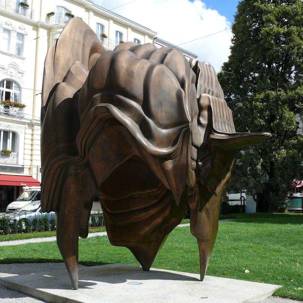 Необычная скульптура в Зальцбурге