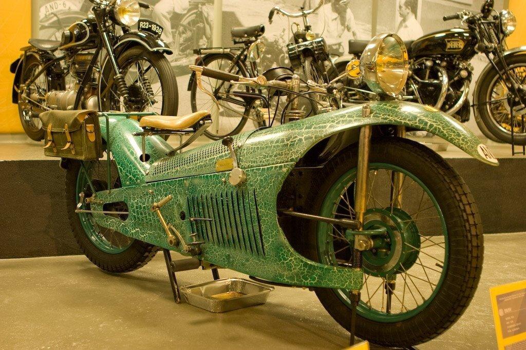 motorcycle 1930 Majestic