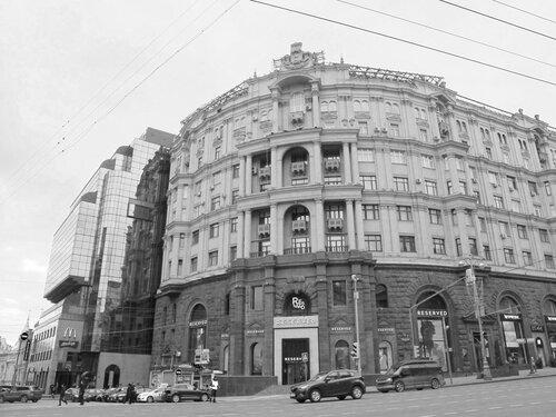 Апрель в Москве
