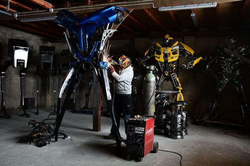 Польский художник превращает металлолом в оригинальные скульптуры