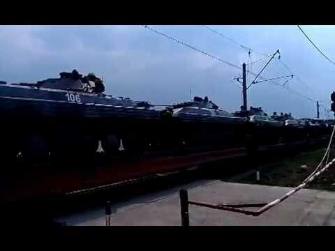 Военная техника на Анголенко в Запорожье 10 апреля 2014